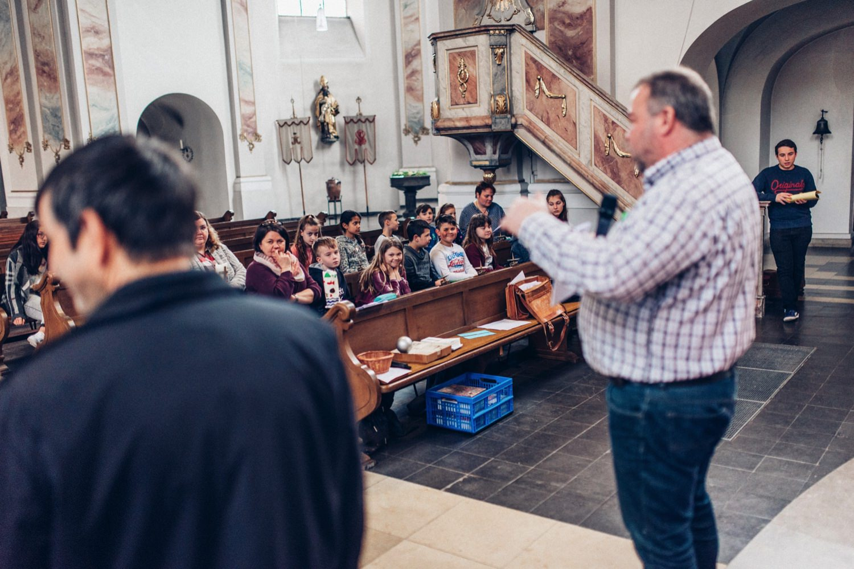 Kommunion-Gernsheim Fotograf Patrick Harazim Hochzeitsfotograf-Darmstadt katholische-Pfarrkirche Sankt-Maria-Magdalena